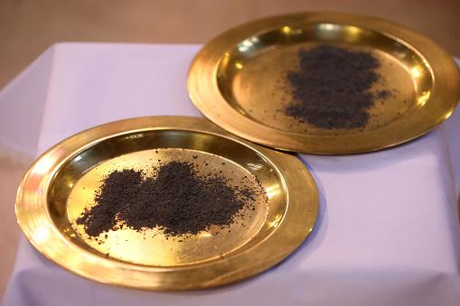 Religious Mass「Ash Wednesday marks the beginning of the Season of Lent.」:スマホ壁紙(12)