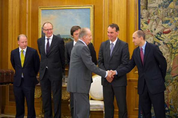 Corporate Business「King Juan Carlos of Spain Receives Altadis President Dominic Brisby at Zarzuela Palace」:写真・画像(12)[壁紙.com]
