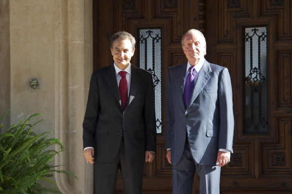 Jose Luis Rodriguez Zapatero「King Juan Carlos of Spain  Receives President Jose Luis Rodriguez Zapatero in Marivent Palace」:写真・画像(9)[壁紙.com]