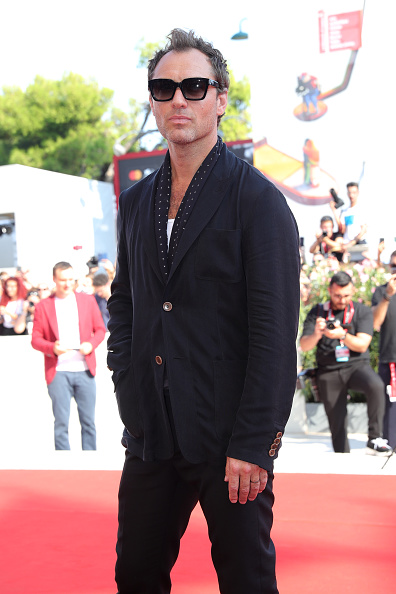 "Black Color「""The New Pope"" Red Carpet Arrivals - The 76th Venice Film Festival」:写真・画像(4)[壁紙.com]"