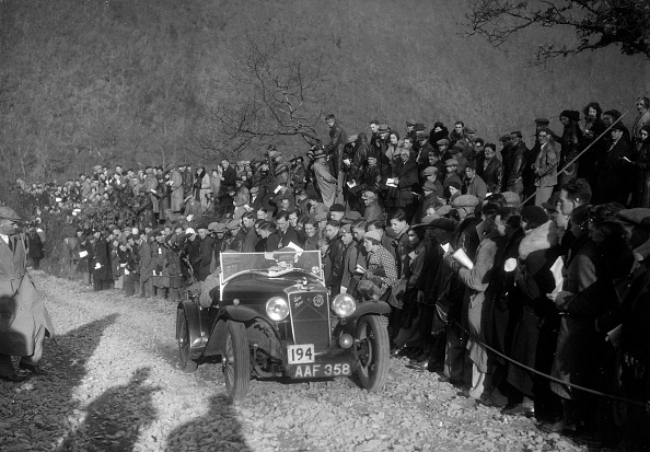Country Road「Hillman Aero Minx of RJ Williams competing in the MCC Lands End Trial, Beggars Roost, Devon, 1936」:写真・画像(6)[壁紙.com]