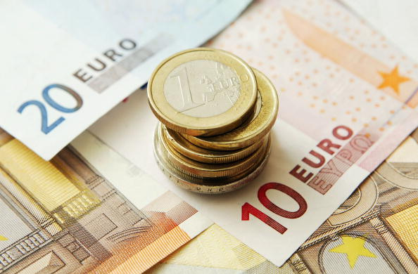 European Union「The Euro Reaches All-Time High Against The Dollar  」:写真・画像(13)[壁紙.com]