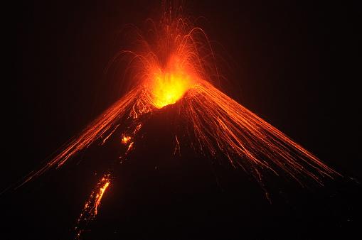 Active Volcano「Krakatoa erupting, Lampung, Indonesia」:スマホ壁紙(0)