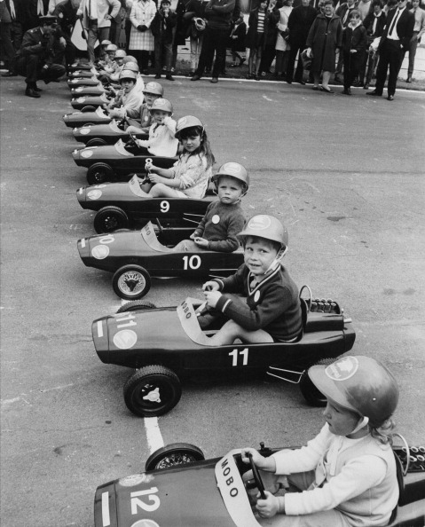 Douglas Miller「Junior Grand Prix」:写真・画像(0)[壁紙.com]