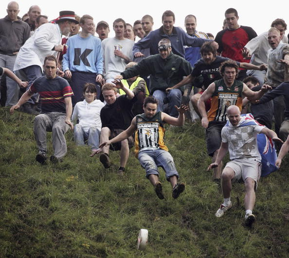 Cheese「Bank Holiday Cheese Rolling Festival」:写真・画像(14)[壁紙.com]