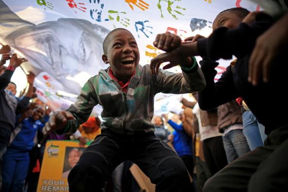 Celebration「South Africa Celebrates Nelson Mandela's 95th Birthday」:写真・画像(19)[壁紙.com]