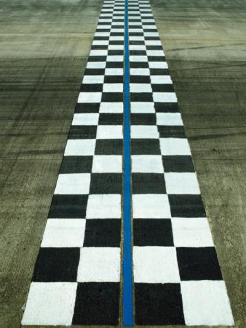 Motor Racing Track「Finish line on auto race track, dusk」:スマホ壁紙(4)