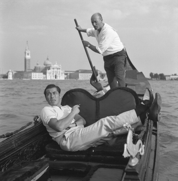 Gondolier「Toshiro Mifune On The Gondola」:写真・画像(8)[壁紙.com]