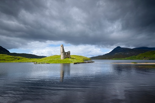 スコットランド文化「UK, Scotland, Sutherland, Ardvreck Castle at Loch Assynt」:スマホ壁紙(18)
