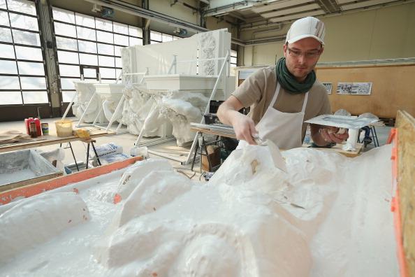 Silicon「Artisans Prepare Elements Of New Berliner Schloss」:写真・画像(6)[壁紙.com]