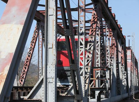 Electric train「レールの上の古い電気機関車を追跡します。」:スマホ壁紙(16)