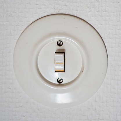 Light Switch「Old electric wall switch」:スマホ壁紙(1)