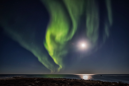 星空「Northern Lights over Hudson Bay」:スマホ壁紙(5)