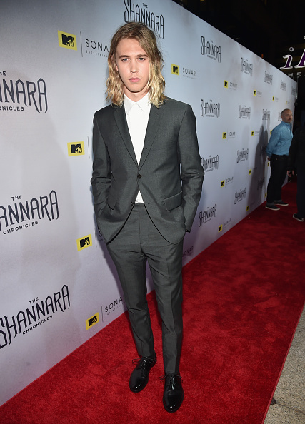 オースティン・バトラー「Premiere Of MTV's 'The Shannara Chronicles' - Red Carpet」:写真・画像(18)[壁紙.com]