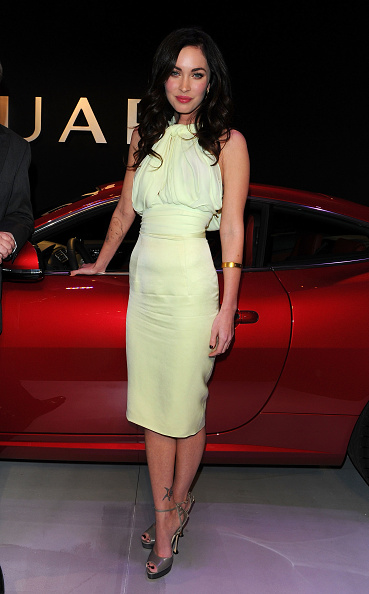 Halter Top「Celebration Of Jaguar Design And The 50th Anniversary Of The Jaguar E-Type - Inside」:写真・画像(8)[壁紙.com]