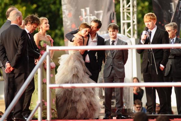 エマ・ワトソン「Harry Potter And The Deathly Hallows - Part 2 - World Film Premiere」:写真・画像(7)[壁紙.com]