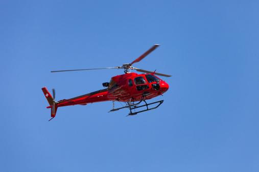 Helicopter「スイスヘリコプターでの飛行、クリアブルースカイ」:スマホ壁紙(15)