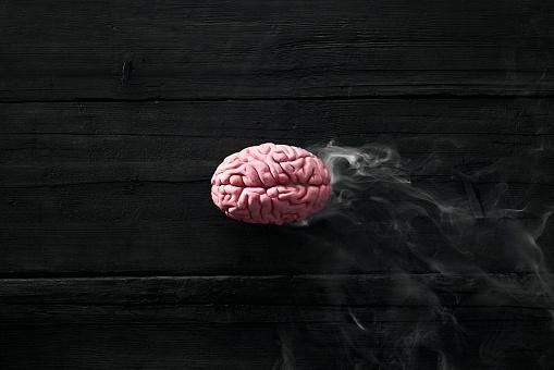 Effort「Smoking brain, burnout」:スマホ壁紙(8)