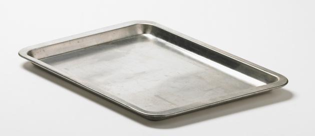 Metallic「Baking tray, studio shot」:スマホ壁紙(12)