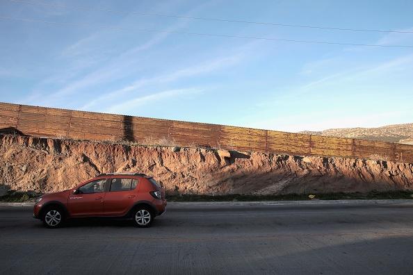 運転手「Border Wall Funding Remains The Debate After Government Shutdown Ends」:写真・画像(2)[壁紙.com]