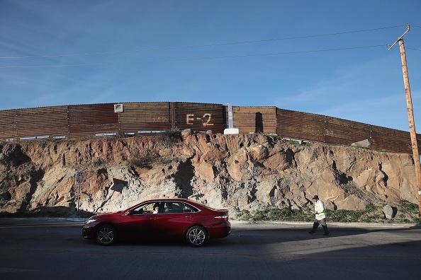 運転手「Border Wall Funding Remains The Debate After Government Shutdown Ends」:写真・画像(1)[壁紙.com]