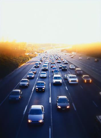 Motor Vehicle「Cars and simi-trucks on expressway in downtown Atlanta, Georgia」:スマホ壁紙(9)