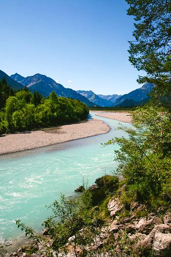 Lechtal Alps「Lechriver in summer, near Forchach, Lechtaler Alps, Tyrol, Austria」:スマホ壁紙(2)