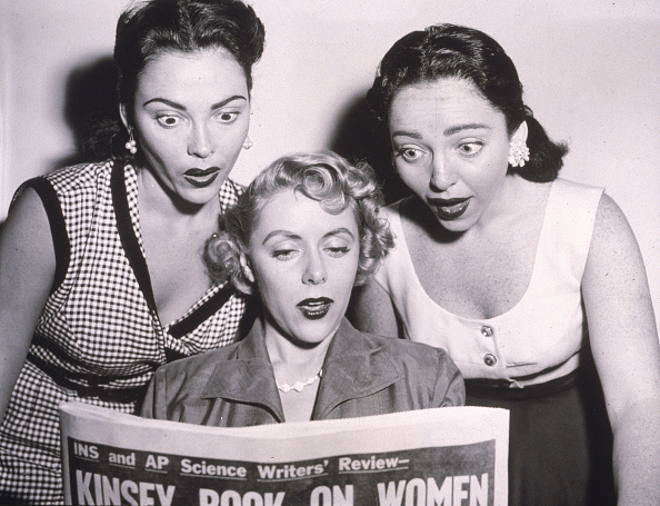 Facial Expression「Three Women Read Kinsey Article」:写真・画像(1)[壁紙.com]