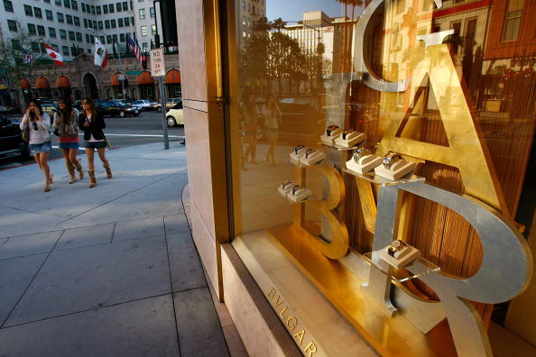 Chain - Object「Luxury Chain Stores Feel Effects Of Poor Holiday Shopping Season」:写真・画像(10)[壁紙.com]