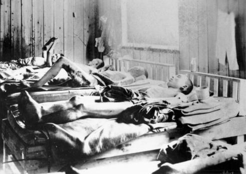 World War II「Survivors of the explosion of the Atom bomb at Hiroshima, Japan, 1945」:スマホ壁紙(11)