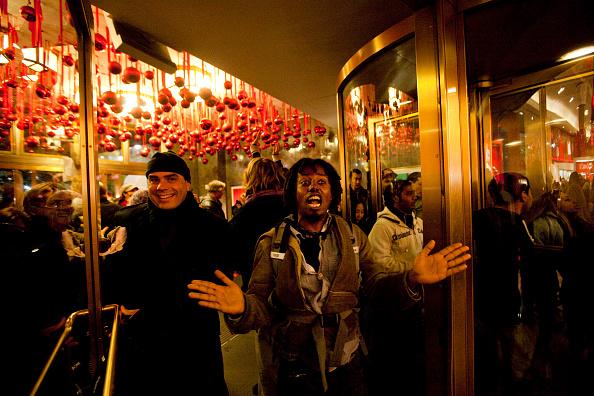 "Michael Nagle「""Black Friday"" Marks Start Of Holiday Shopping Season」:写真・画像(17)[壁紙.com]"