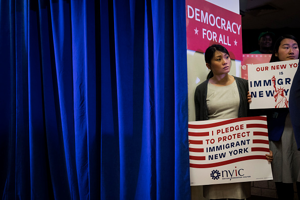 Drew Angerer「NY Attorney General Schneiderman Files Suit Against Trump Administration Over Census」:写真・画像(16)[壁紙.com]