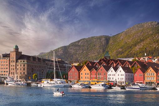Sailboat「Vagen Harbor and Bryggen」:スマホ壁紙(8)