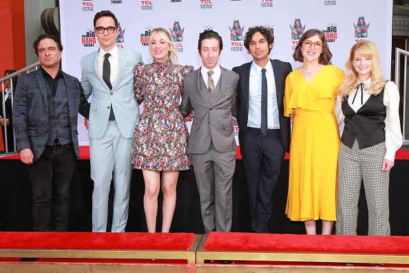"Cast Member「The Cast Of ""The Big Bang Theory"" Places Their Handprints In The Cement At The TCL Chinese Theatre IMAX Forecourt」:写真・画像(7)[壁紙.com]"