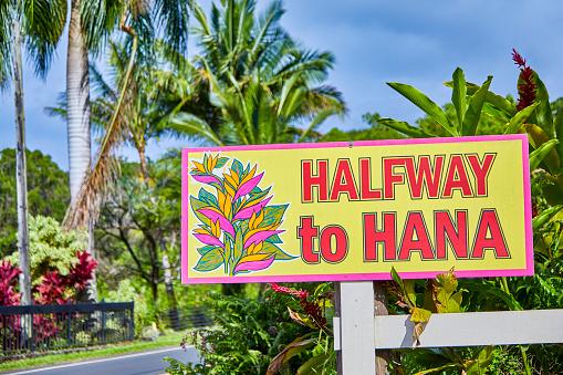 Pacific Ocean「Halfway to Hana road side Information sign,Hana,Maui,Hawaii,USA」:スマホ壁紙(16)