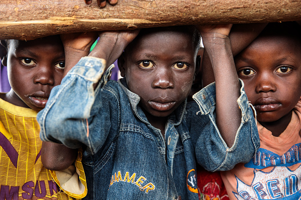 カメラ目線「Kyangwali Refugee Settlement And Reception Centre in Uganda Sees Huge Rise In Refugees Entering From The Democratic Republic Of Congo」:写真・画像(18)[壁紙.com]