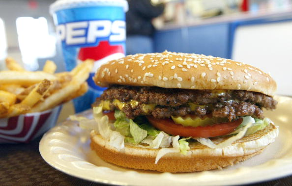Fast Food「Americans Continue To Consume Beef Products Despite First Case Of Mad Cow Disease In US」:写真・画像(11)[壁紙.com]