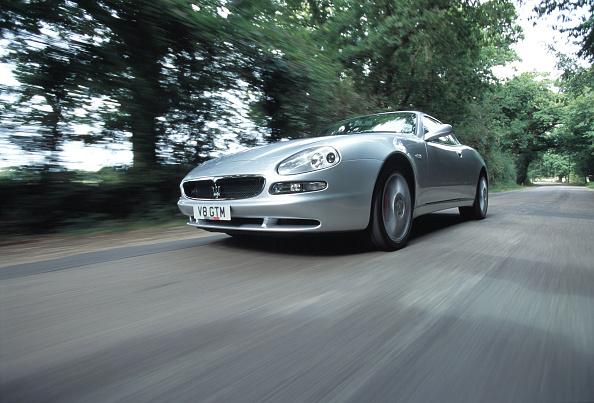Defocused「2000 Maserati 3200 GT」:写真・画像(13)[壁紙.com]