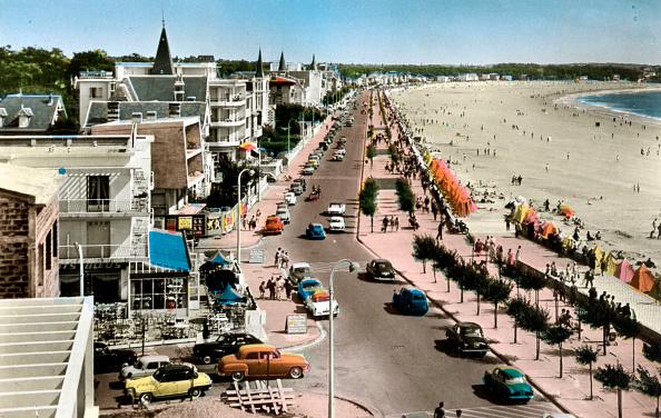 Nouvelle-Aquitaine「Royan, France : seaside, postcard, c. 1959」:写真・画像(17)[壁紙.com]