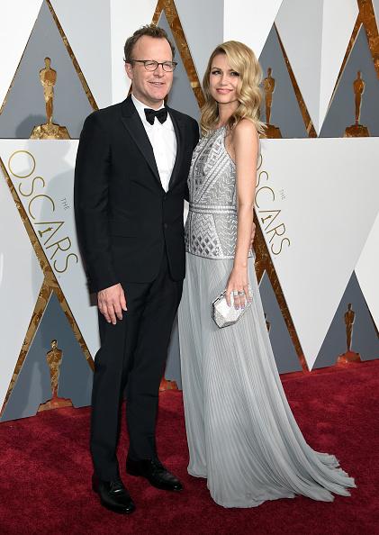 Train - Clothing Embellishment「88th Annual Academy Awards - Arrivals」:写真・画像(8)[壁紙.com]