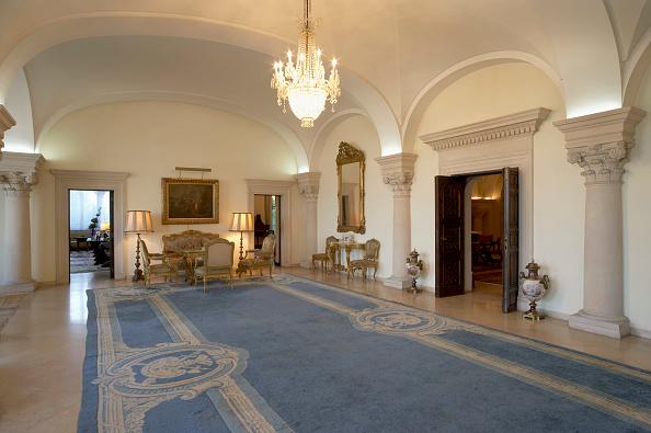 Ornate「Saloon, King's Palace, Belgrade, Serbia」:写真・画像(19)[壁紙.com]