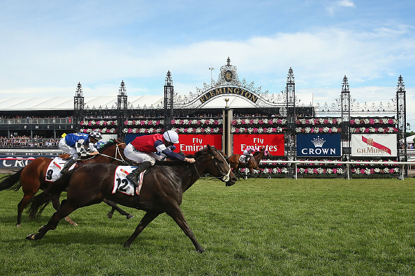 Crown Oaks Day「Highlights From Crown Oaks Day」:写真・画像(1)[壁紙.com]