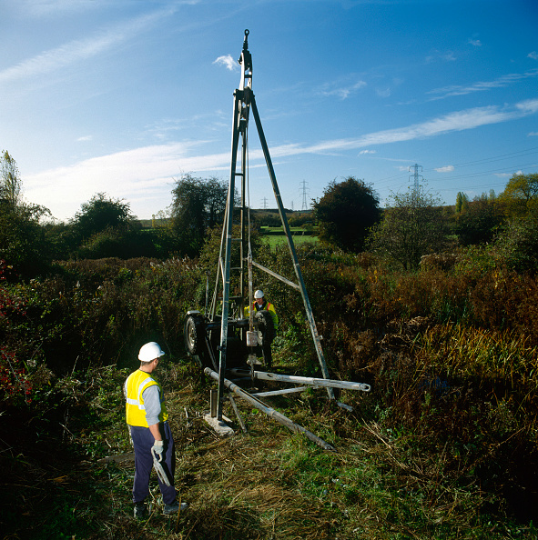 Geology「Oil exploration on English farmland」:写真・画像(17)[壁紙.com]