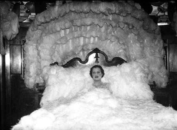 Reclining「Feather Bed」:写真・画像(15)[壁紙.com]