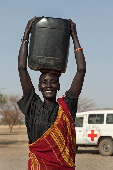 Tom Stoddart Archive「Collecting Water In South Sudan」:写真・画像(11)[壁紙.com]