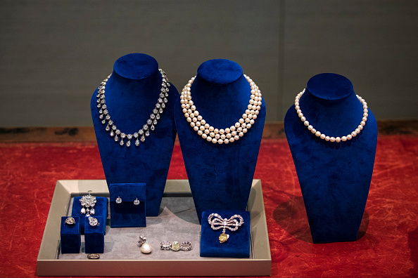 Jewelry「Jewelry Worn By Marie Antoinette Goes On Display At Sotheby's Auction House」:写真・画像(1)[壁紙.com]