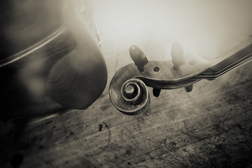 Violin「the old violin」:スマホ壁紙(4)
