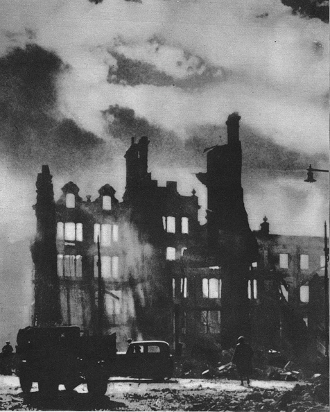 Battlefield「Dawn Breaks to find the city transfigured after a night of hell, 1941 (1942)」:写真・画像(19)[壁紙.com]
