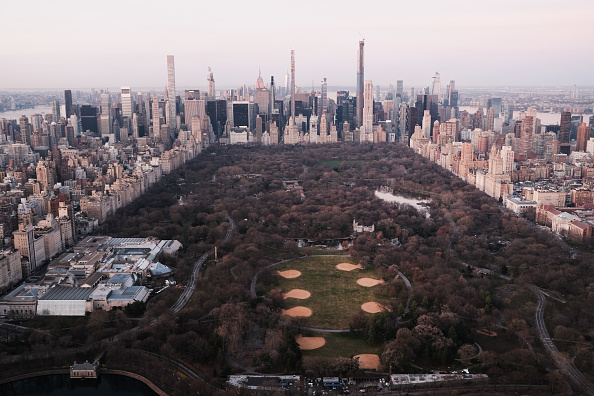 Manhattan - New York City「New York City Deals With Rise In Coronavirus Cases, As Mayor Considers Shelter-In-Place Order」:写真・画像(16)[壁紙.com]