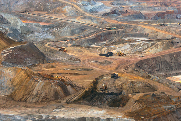 High Angle View「Iron Ore Production, Vale Mining (Northern System), State of Minas Gerais, Brazil」:写真・画像(3)[壁紙.com]